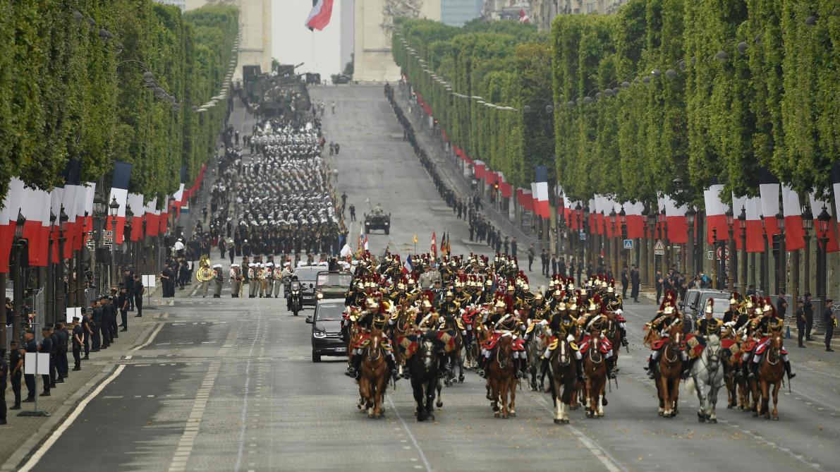 Vidéos: Le défilé militaire du 14 juillet sur les Champs-Élysées