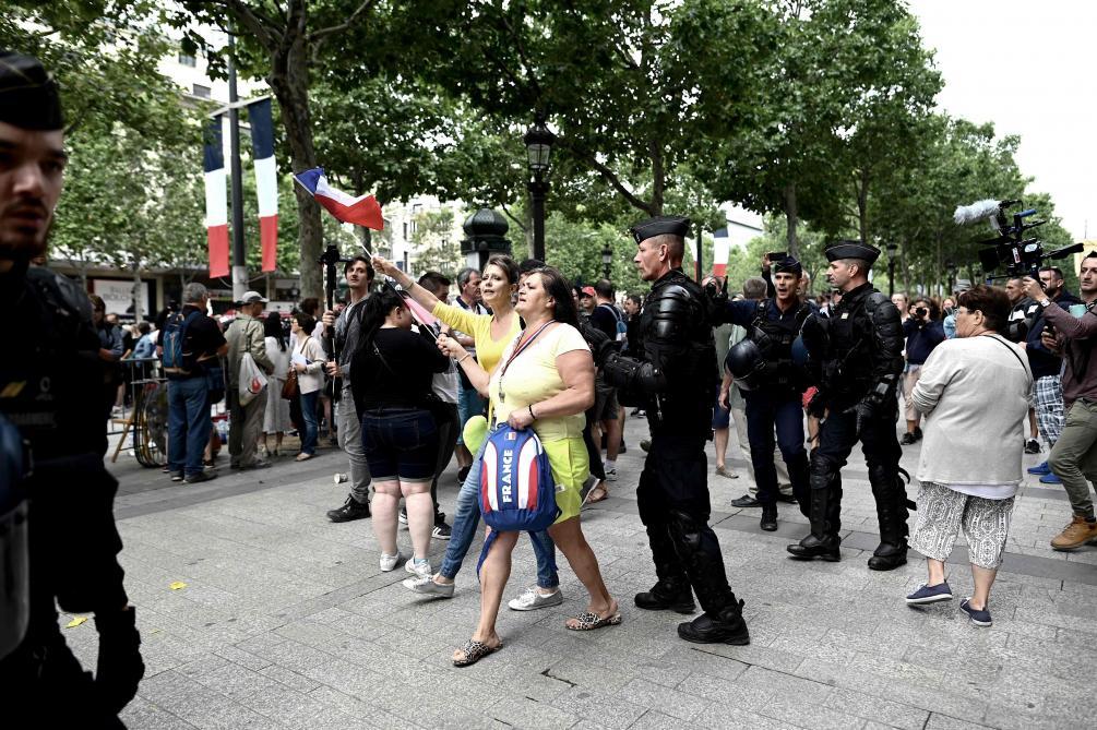 Défilé du 14 juillet: trois figures des gilets jaunes arrêtées sur les Champs-Elysées et placées en garde à vue