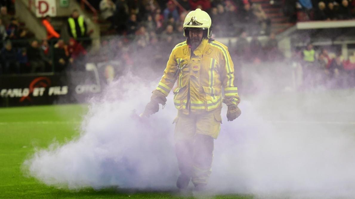 Standard-Anderlecht arrêté: les Mauves échappent au huis clos effectif