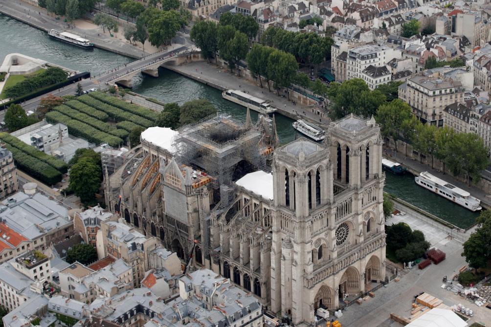 Le chantier de Notre-Dame doit être suspendu