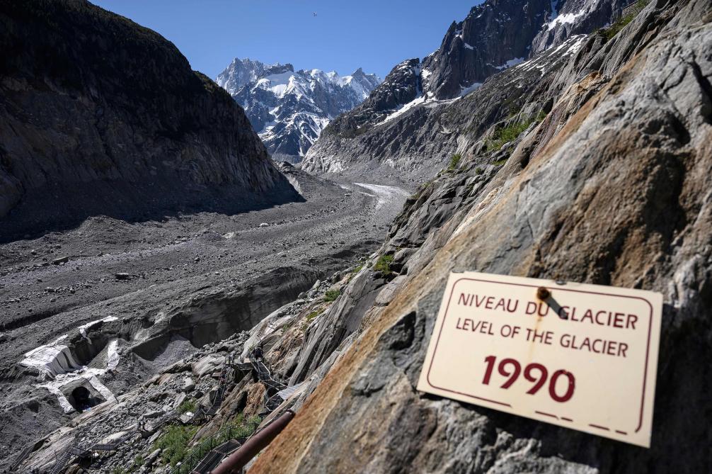 Les images inquiétantes de l'impact du réchauffement climatique sur le Mont blanc