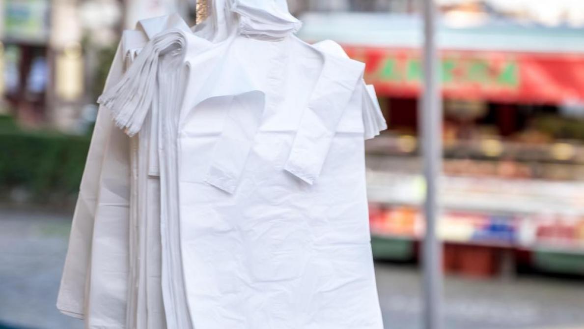 Pollution: Un Tiers Des Sacs Plastiques Distribués En