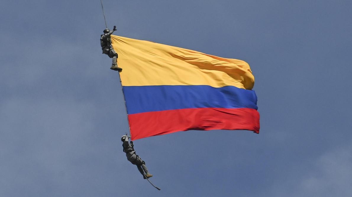 Des soldats colombiens décèdent à la suite d'une chute lors d'un show aérien