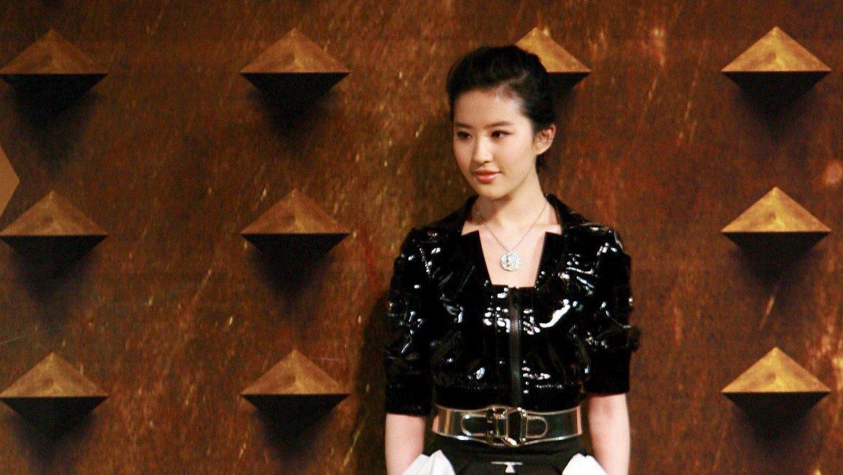 L'actrice incarnant Mulan provoque la colère des internautes, ils appellent au boycott du film Disney