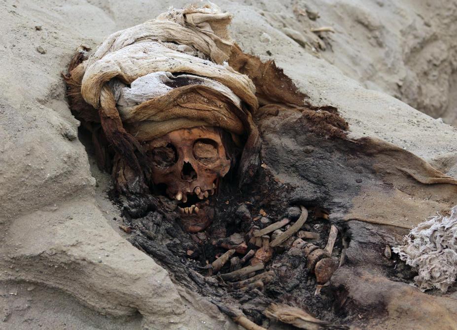 Découverte d'un immense site de sacrifice rituel d'enfants — Pérou