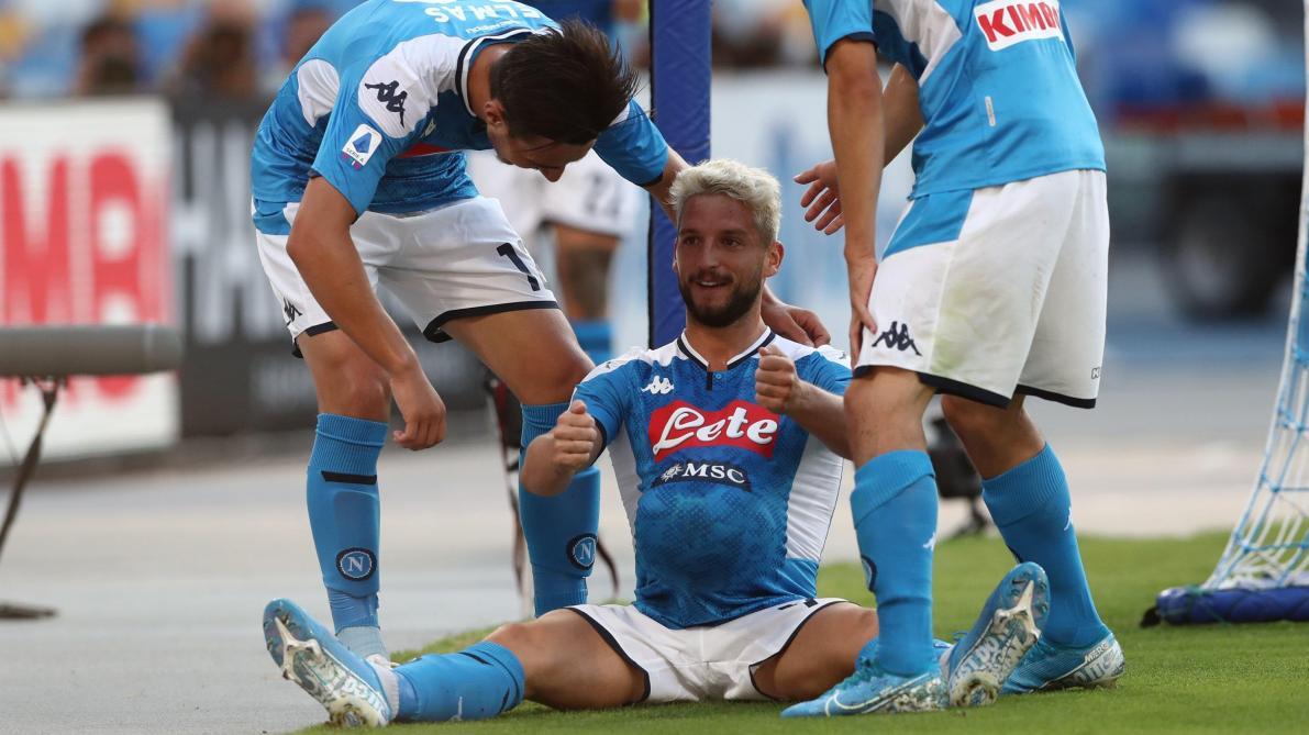 L'étonnante célébration de Dries Mertens ce samedi: le joueur de Naples place le ballon sous son maillot et