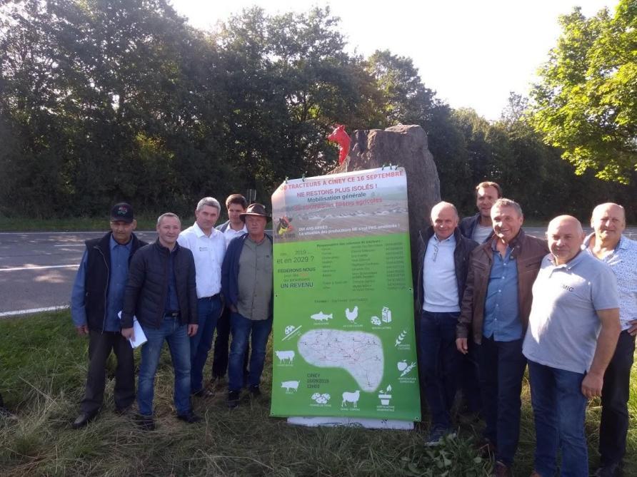 Commémoration de la crise du lait: les tracteurs convergent vers Ciney