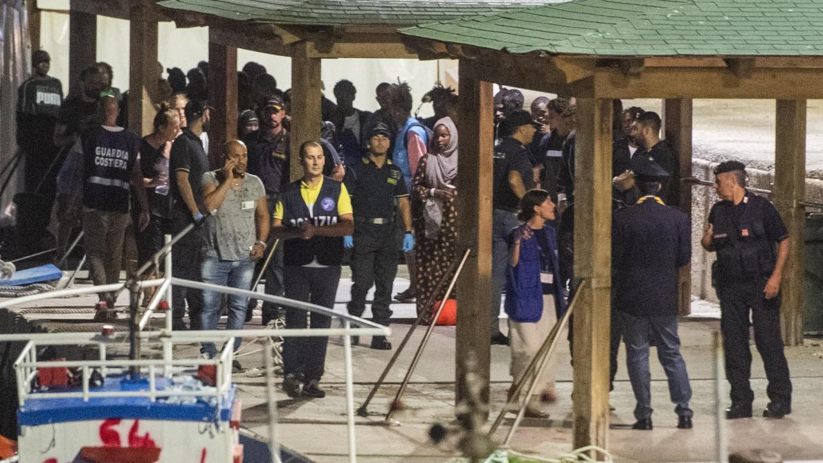 Asile et migration: l'Italie autorise le débarquement de 182 migrants du navire de secours Ocean Viking