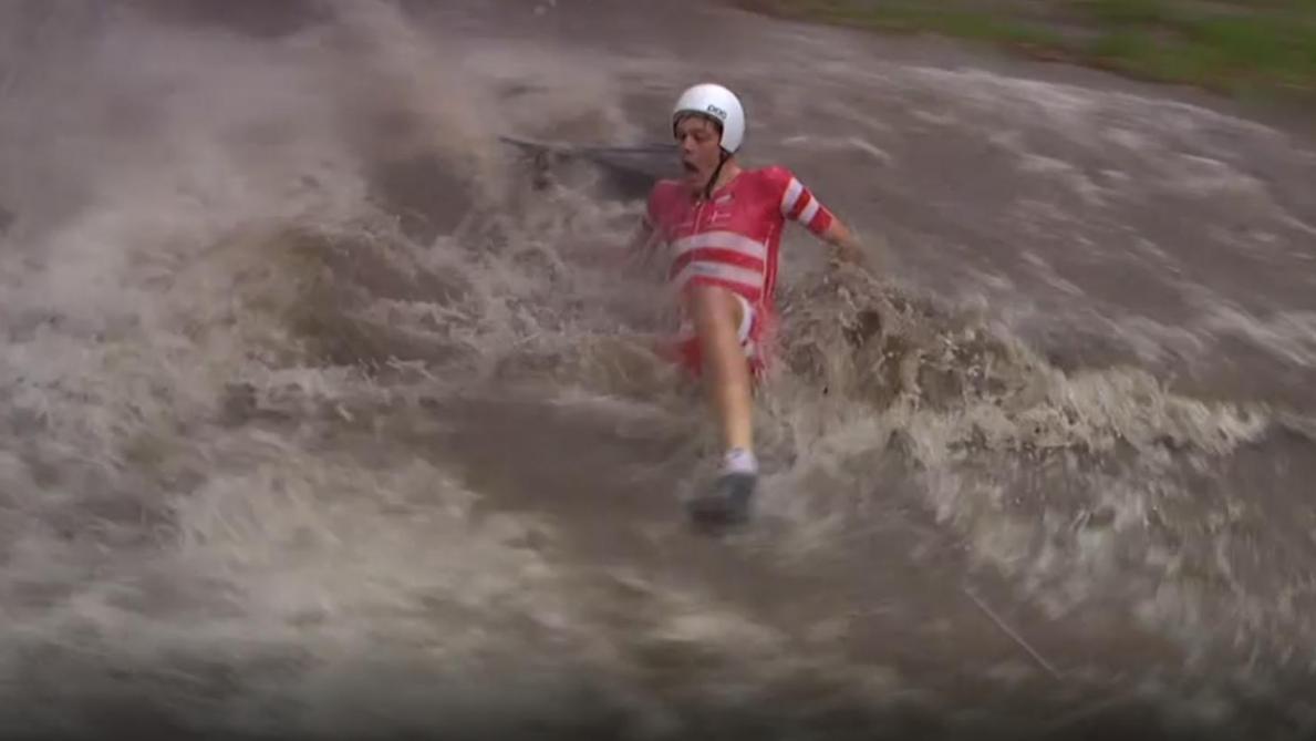 Déluge et chutes improbables de cyclistes — Mondiaux espoirs