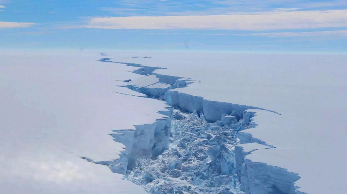 Un iceberg grand comme quinze fois Paris s'est détaché en Antarctique