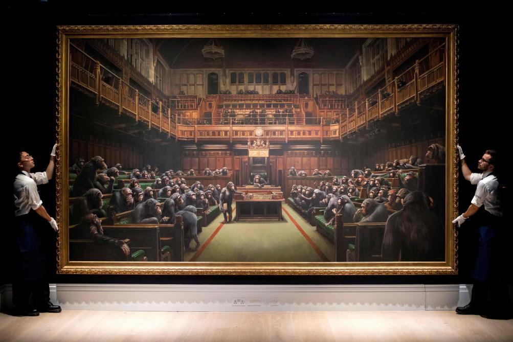 Le Parlement des singes de Banksy adjugé 11,1 millions d'euros