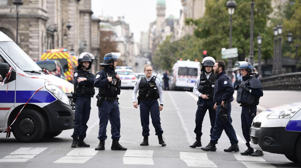 Philippe lance deux missions d'évaluation des agents de la lutte antiterroriste