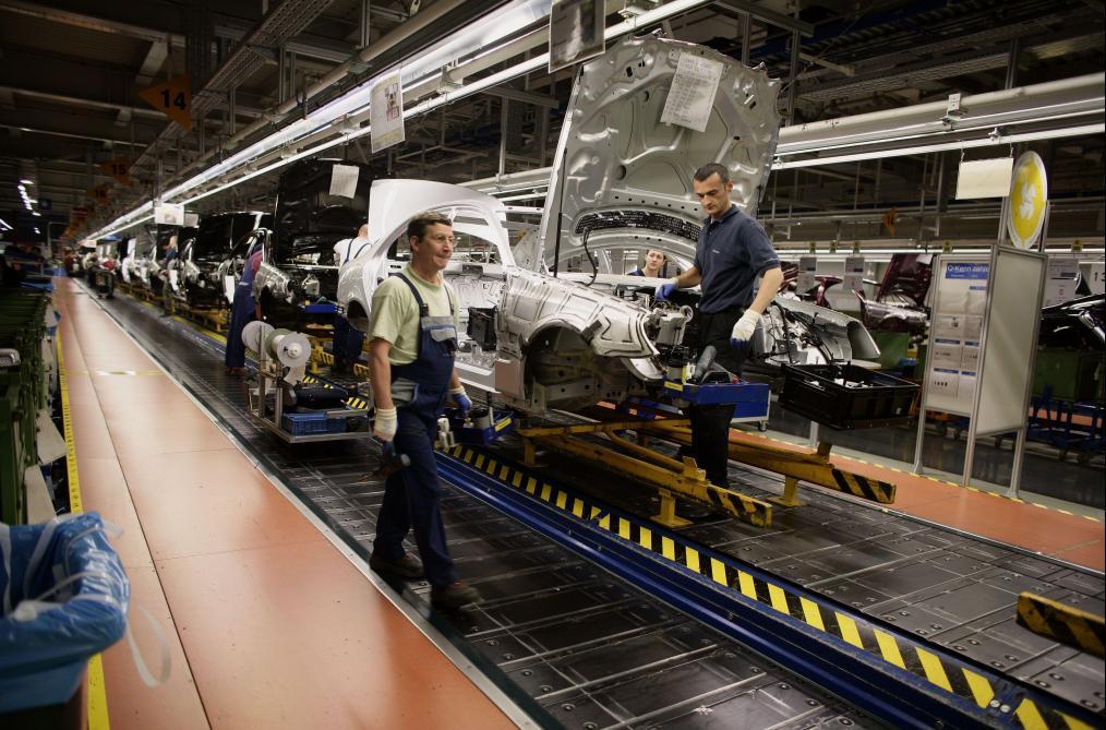 Tricherie antipollution: des milliers de Mercedes Benz doivent être rappelées