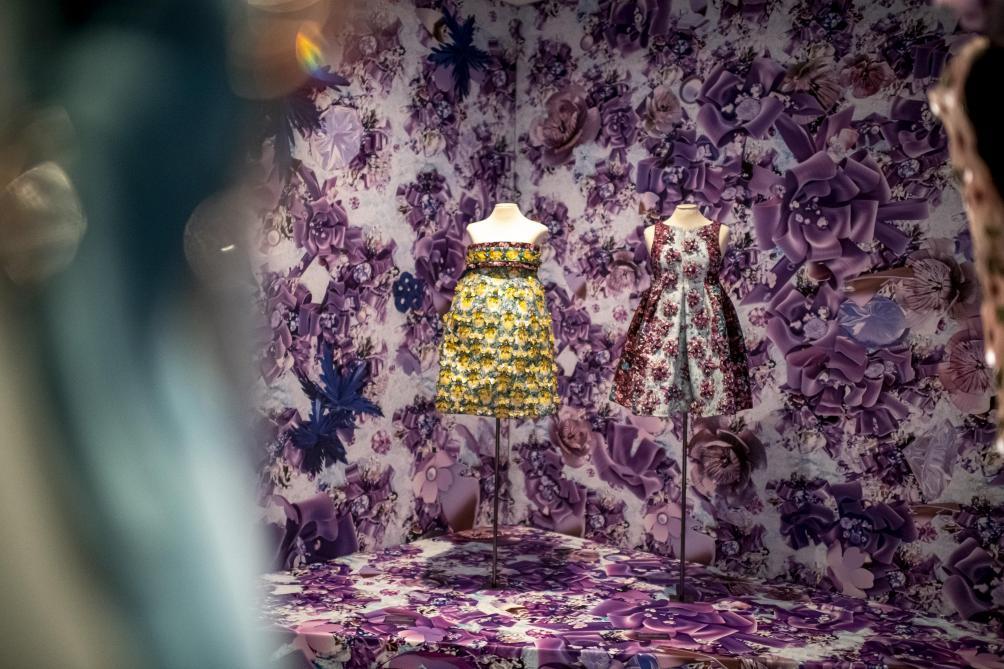 Vrai/FauxExposition: La mode est-elle too much?