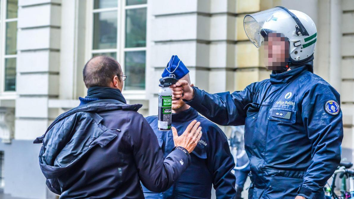 Enquête sur les violences policières à l'encontre d'Extinction Rebellion