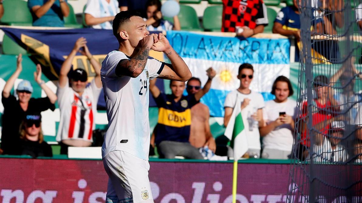 Paredes marque le 3è but de l'Argentine contre l'Équateur — Vidéo
