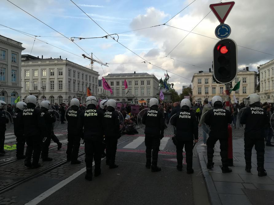 Evacuation musclée des manifestants d'Extinction Rebellion: la Ville réagit