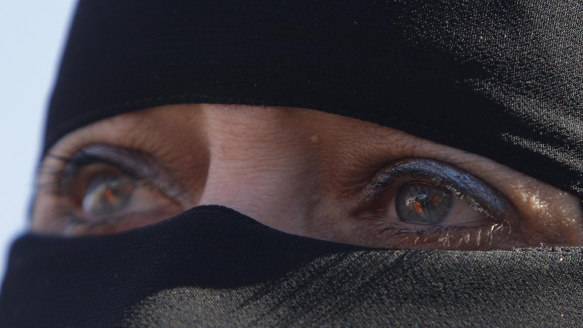 Arrestation de deux Belges soupçonnés d'avoir récolté de l'argent pour libérer des femmes retenues en Syrie