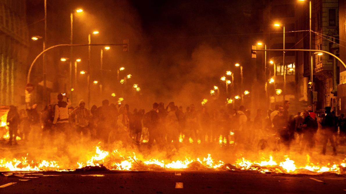 Catalogne: nouvelle nuit de protestation en Catalogne, 51 manifestants ont été interpellés