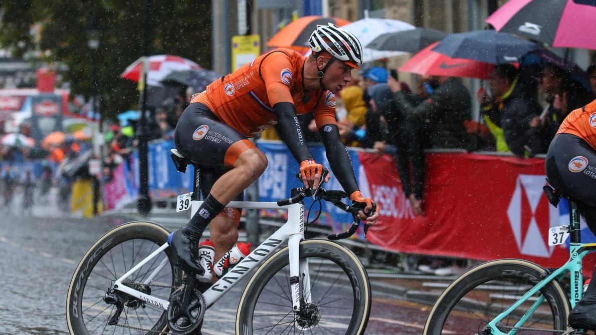 Le Néerlandais Mathieu van der Poel retarde sa rentrée en cyclo-cross de deux semaines