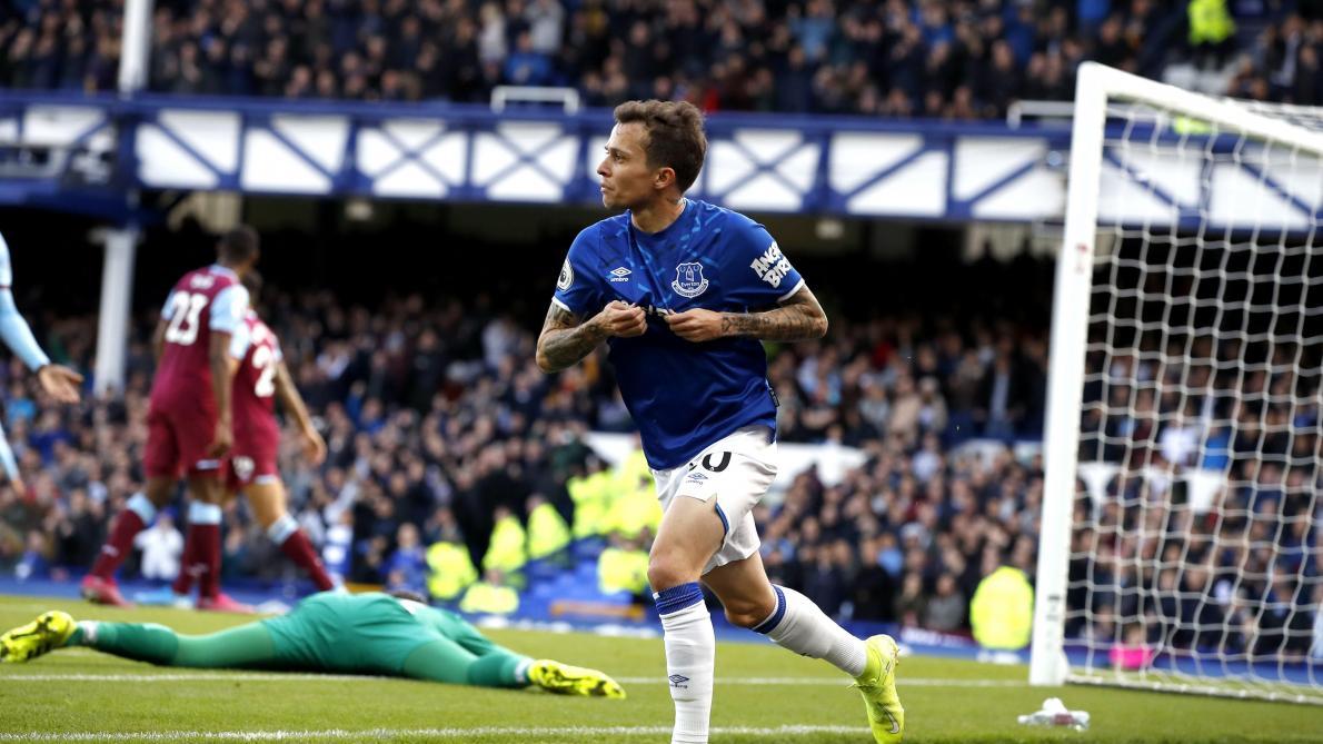 Avec un bijou du Brésilien Bernard, Everton se donne de l'air en Premier League en battant West Ham (vidéo)