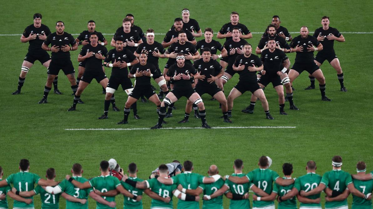 Le haka sulfureux des All Blacks avant leur large victoire face à Irlande (vidéo)