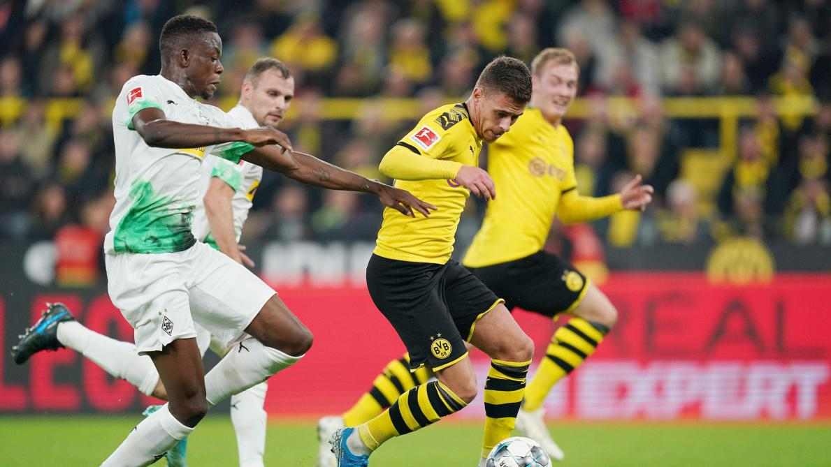 La décision forte de Lucien Favre — Borussia Dortmund