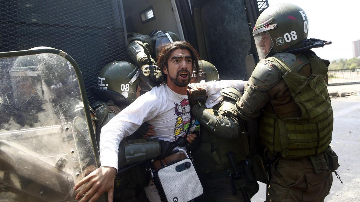 Le couvre-feu décrété à Santiago pour la troisième nuit consécutive — Chili
