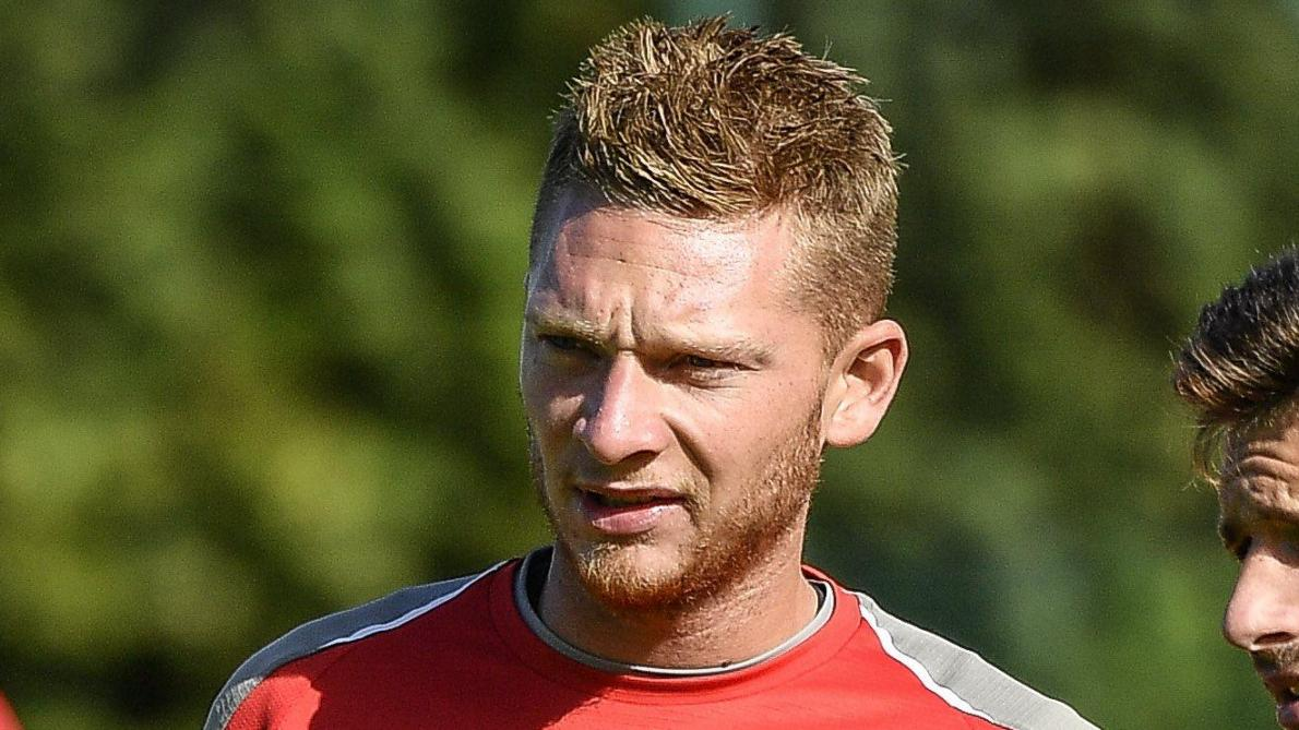 Coup dur pour le Standard: Emond sera absent à Francfort en Europa League