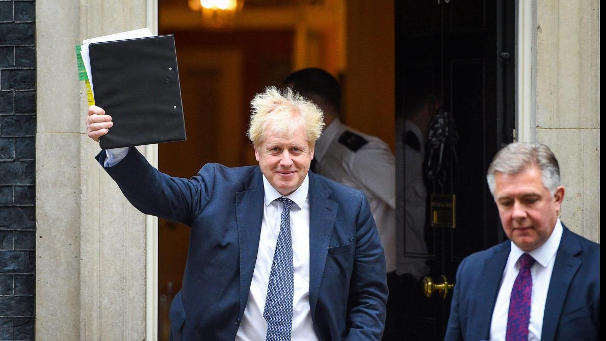 Brexit: Boris Johnson menace d'élections anticipées