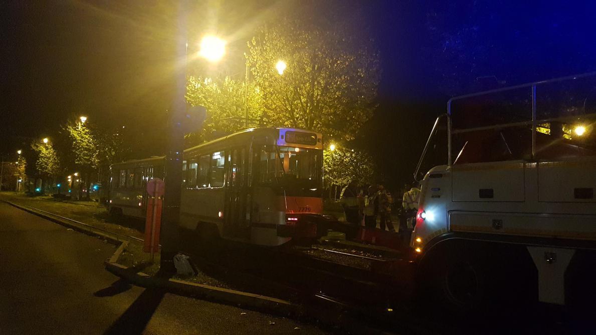 STIB: un tram déraille à Bruxelles