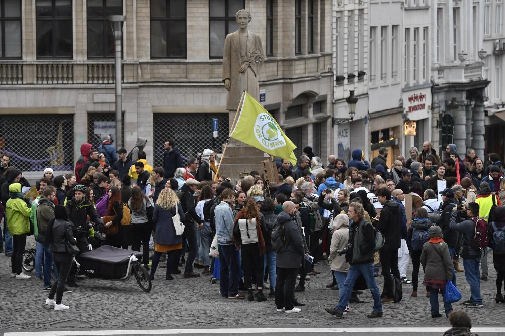 Les jeunes manifestent à nouveau pour le climat à Bruxelles