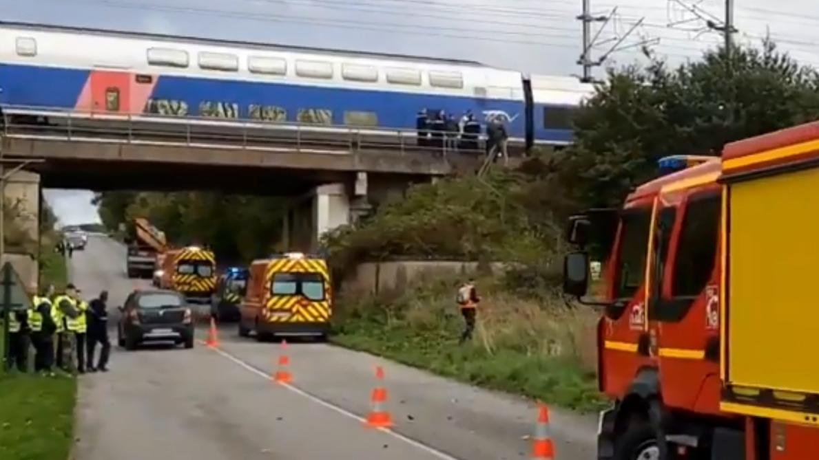 Collision entre un TGV et une voiture, le trafic interrompu — Côtes-d'Armor