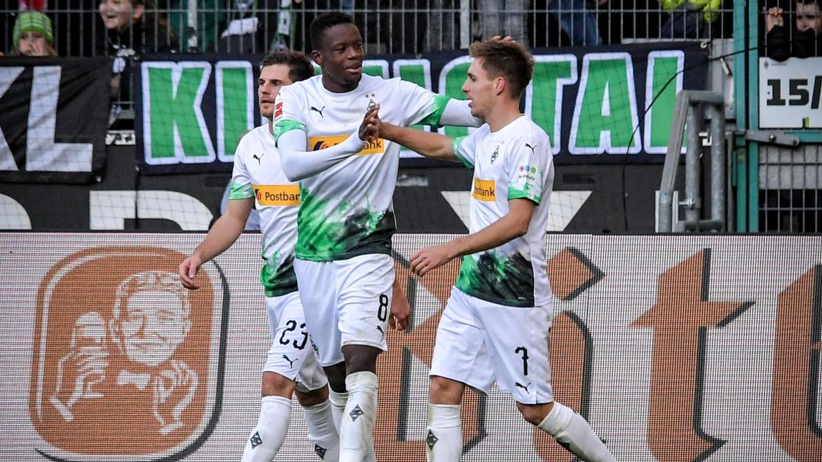 Bundesliga: le Borussia Mönchengladbach s'impose face au Werder Brême et conforte sa première place (3-1, vidéos)