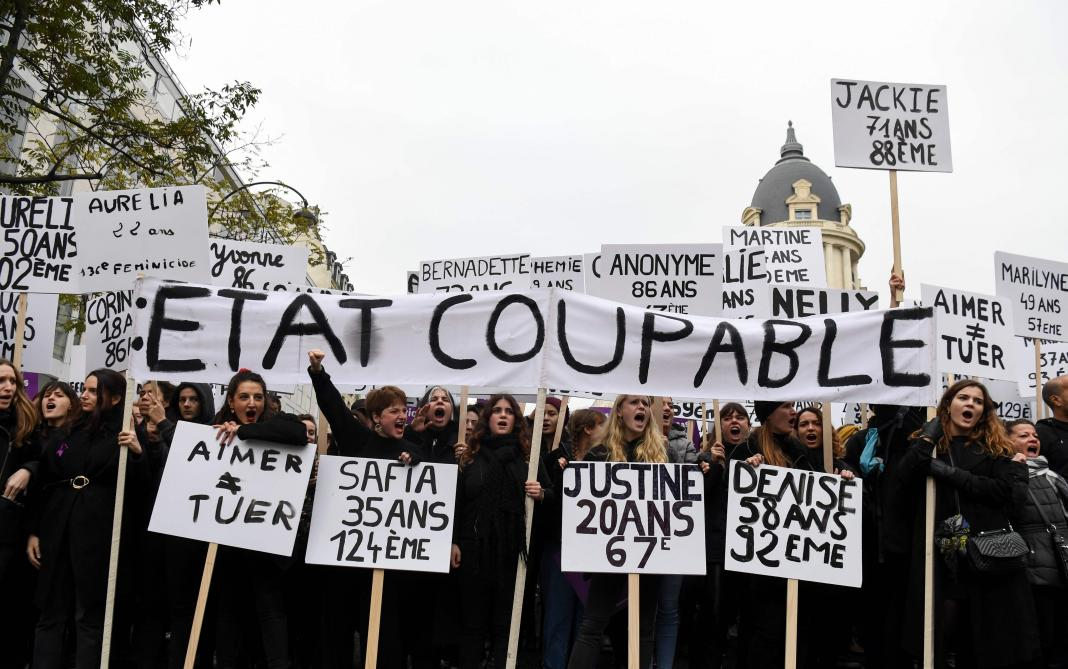 Marée violette en France contre les violences faites aux femmes — NousToutes