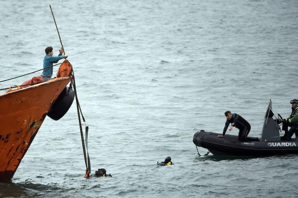Un sous-marin chargé de cocaïne intercepté en Galice — Espagne