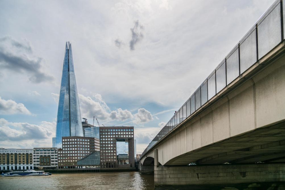 Quand les passants maîtrisent l'assaillant du London bridge (VIDÉO) — ATTENTAT