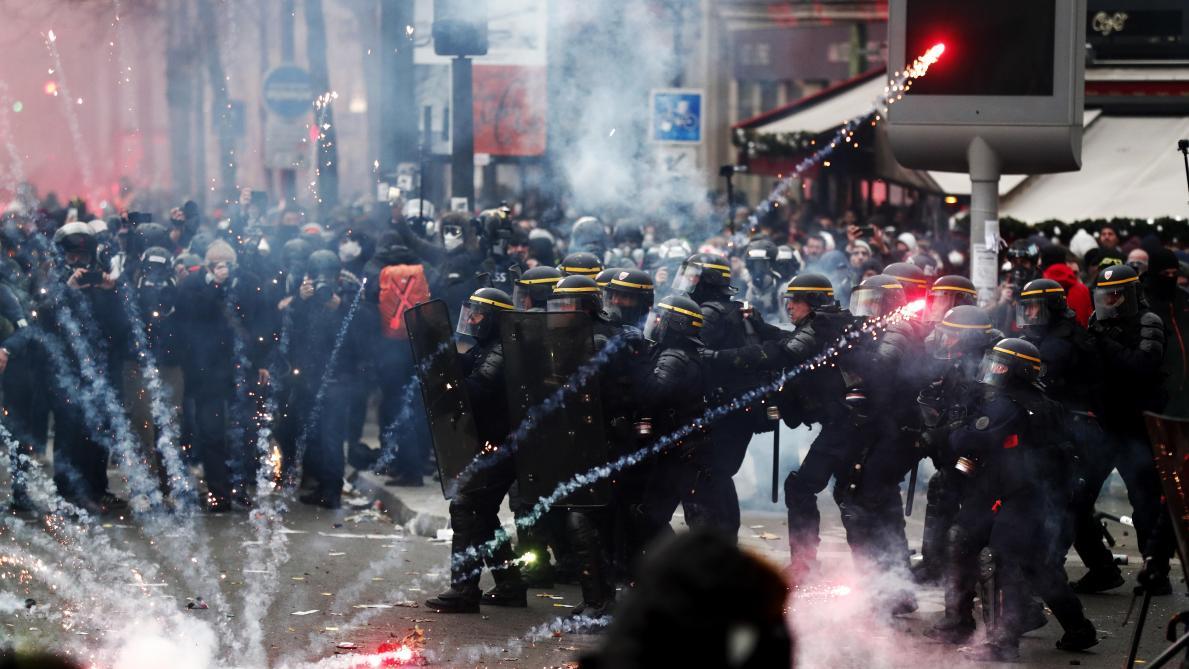 Grève générale en France: la rue met la pression sur Emmanuel Macron