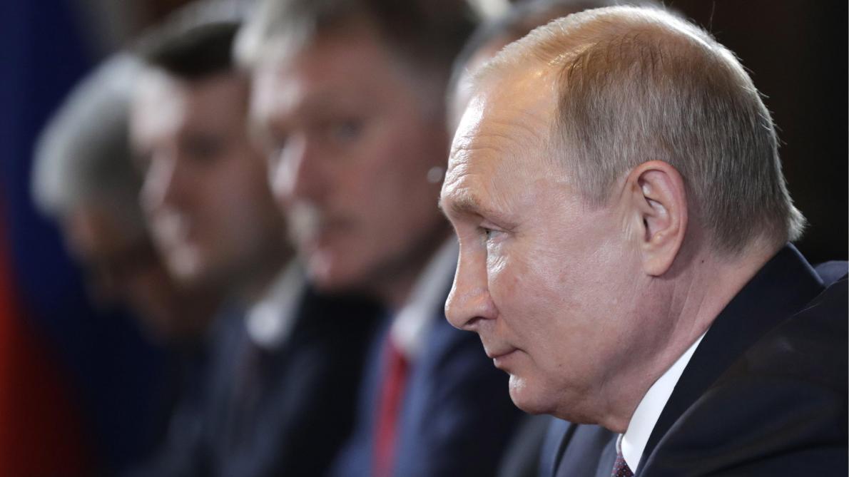 Pourquoi la France entame un virage pro-russe — Rencontre Macron-Poutine