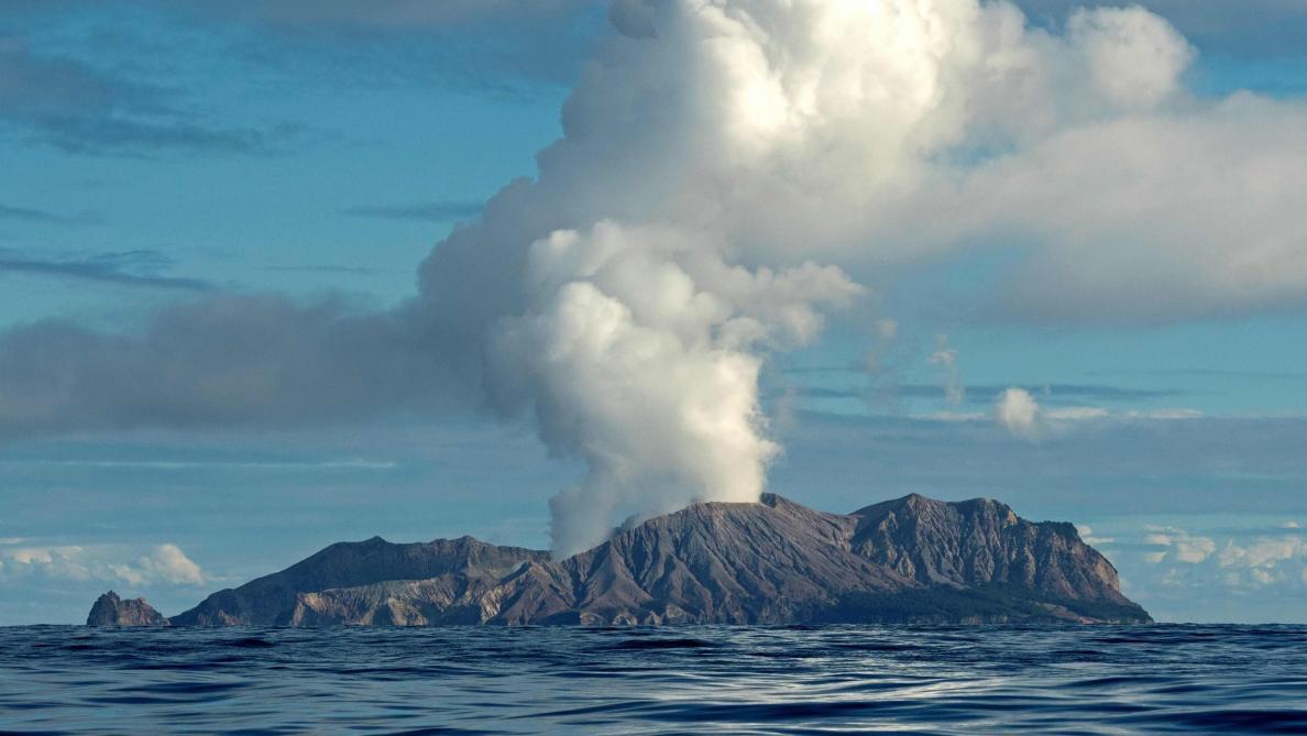 Eruption d'un volcan très fréquenté par les touristes — Nouvelle-Zélande