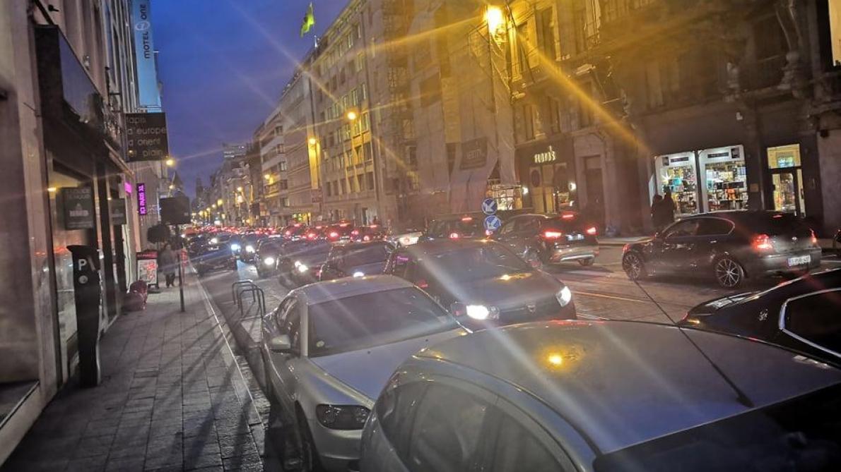 Circulation chaotique à Bruxelles à cause du sommet européen (carte interactive)