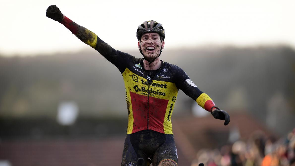 Sensation en cyclo-cross: le Belge Toon Aerts s'impose à Renaix, première défaite de la saison pour Mathieu