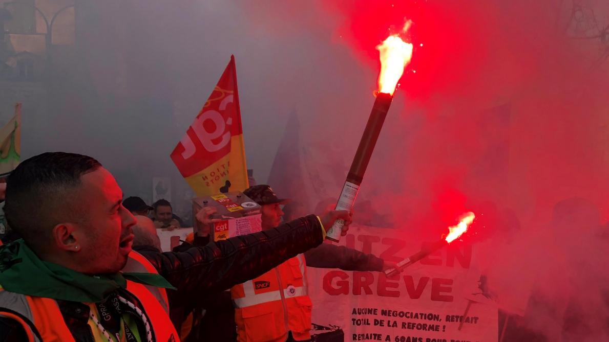 Lyon : 40 000 foyers privés d'électricité par des grévistes