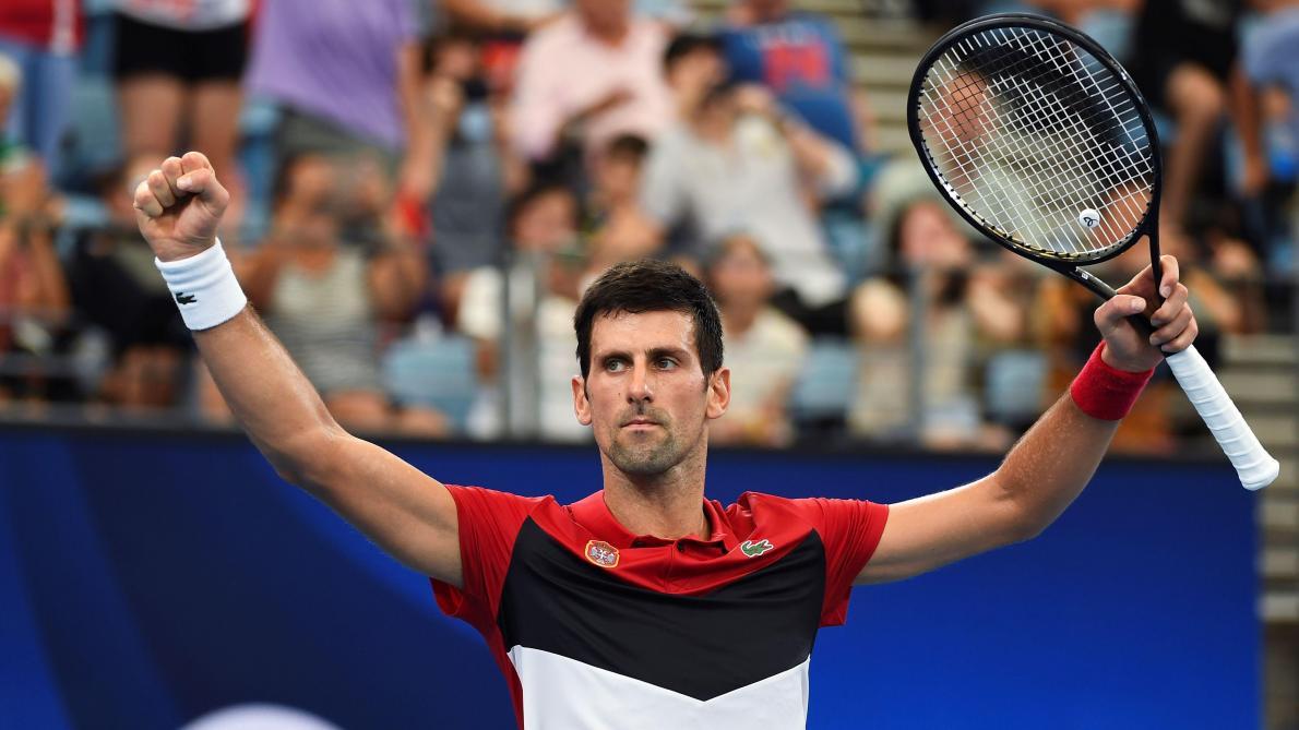 ATP Cup: Novak Djokovic se fait peur, mais envoie la Serbie en demies (vidéo)