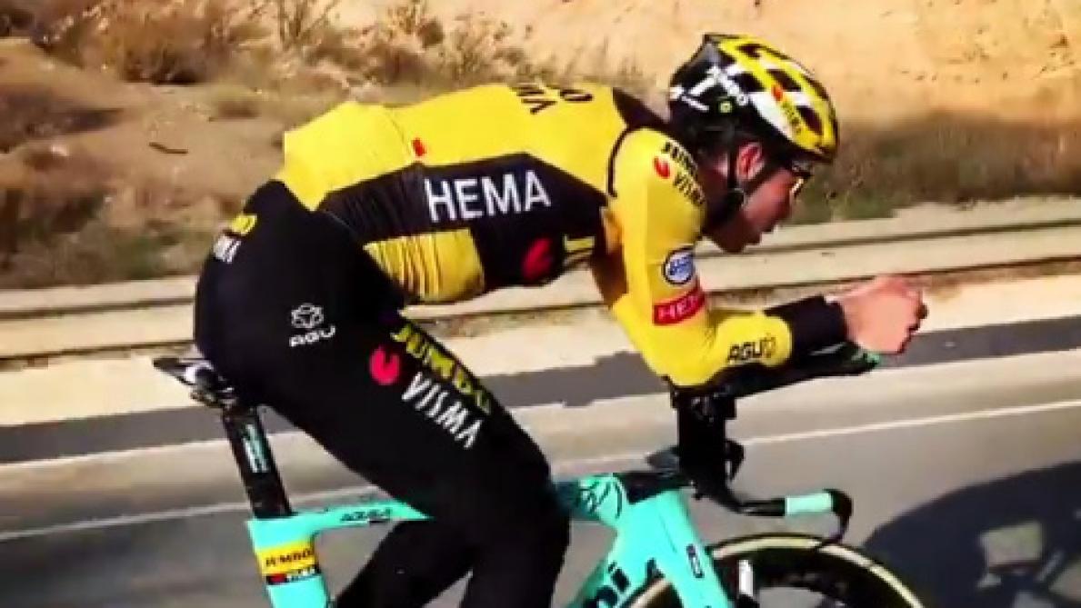 Van Aert remonte sur un vélo de contre-la-montre après sa chute au Tour de France: «Nous sommes à nouveau amis