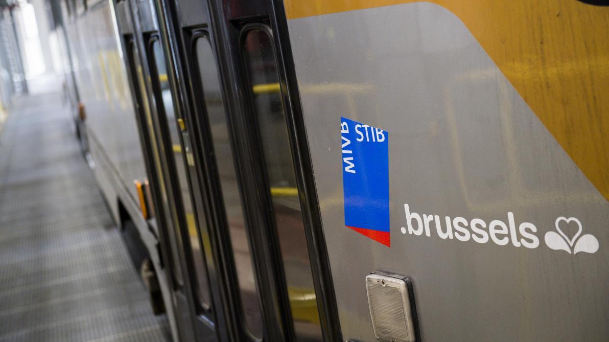 Un tram déraille à Schaerbeek: le conducteur et neuf passagers blessés