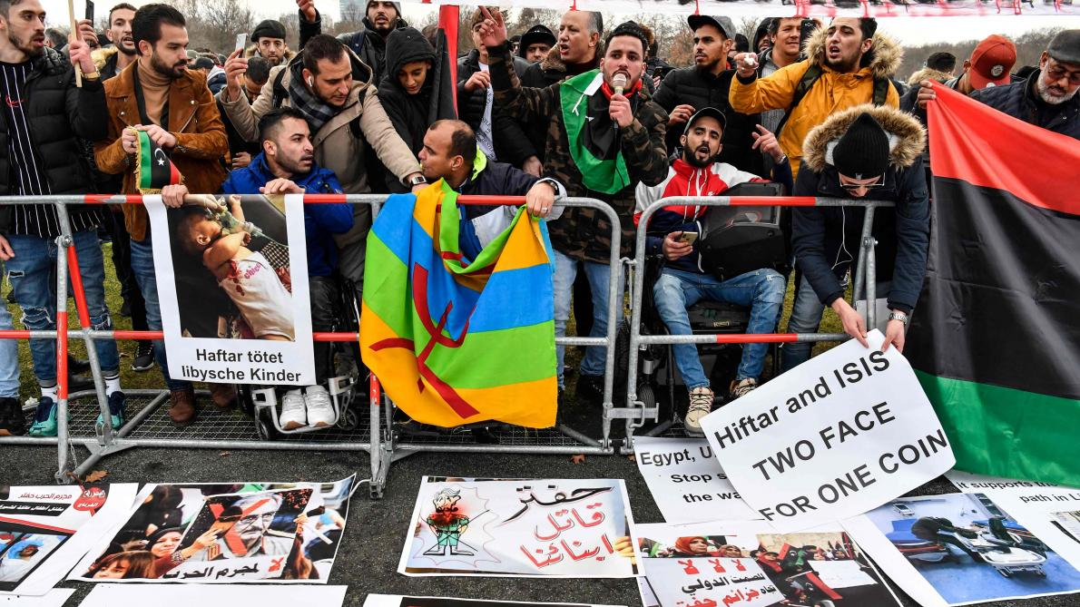 Le dissident Haftar joue la carte du pétrole en Libye