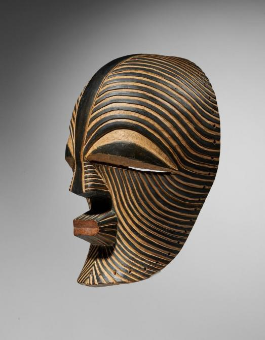 «Art tribal, art moderne et mobilier du 20e siècle»: Bury, Vasarely, Lalique et l'Afrique
