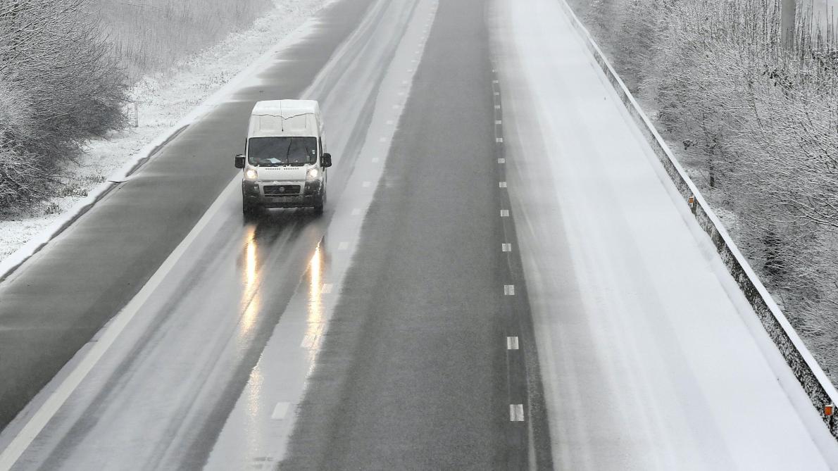 De la neige industrielle tombée en Belgique? L'IRM dément
