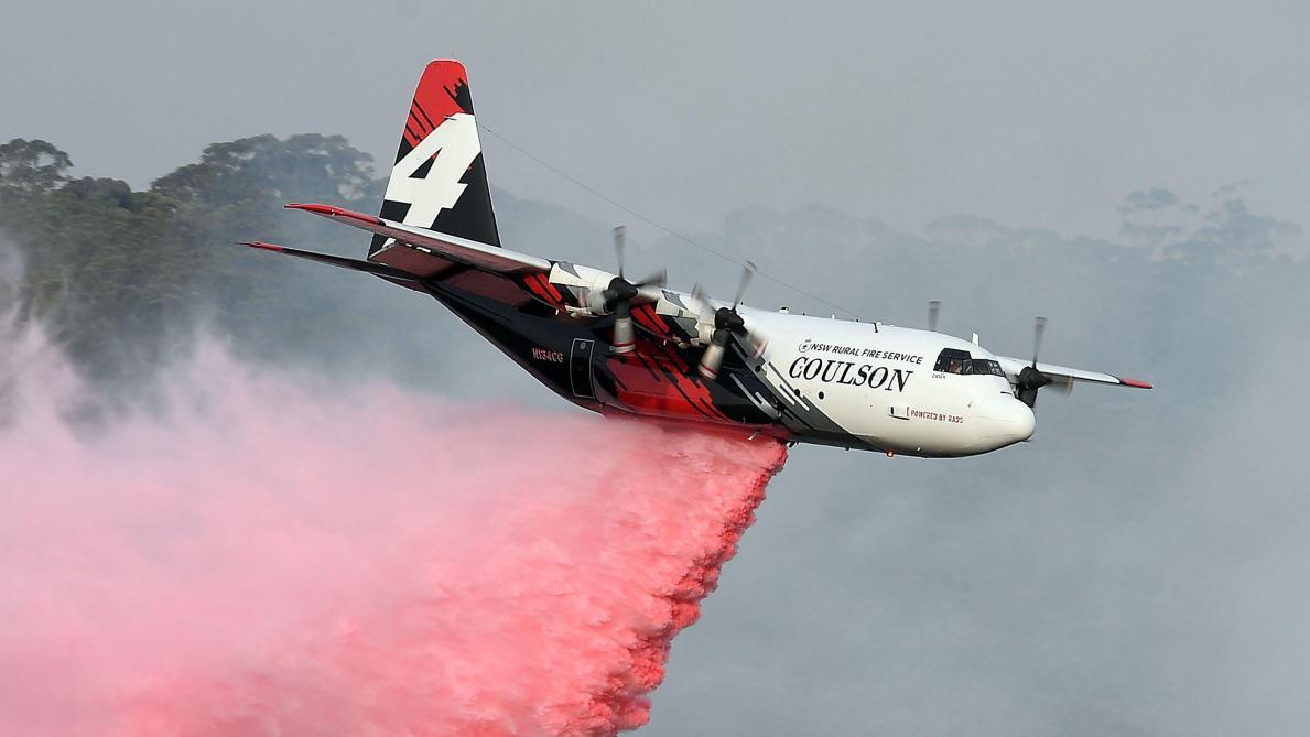 Un avion bombardier d'eau s'écrase, trois morts — Incendies en Australie